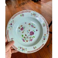 清雍正乾隆時期花卉紋粉彩深腹盤